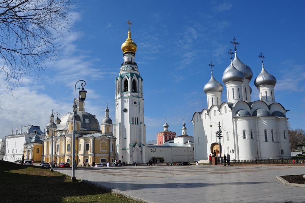 Аренда автомобиля очень удобный способ ознакомиться с памятными местами Вологодской области